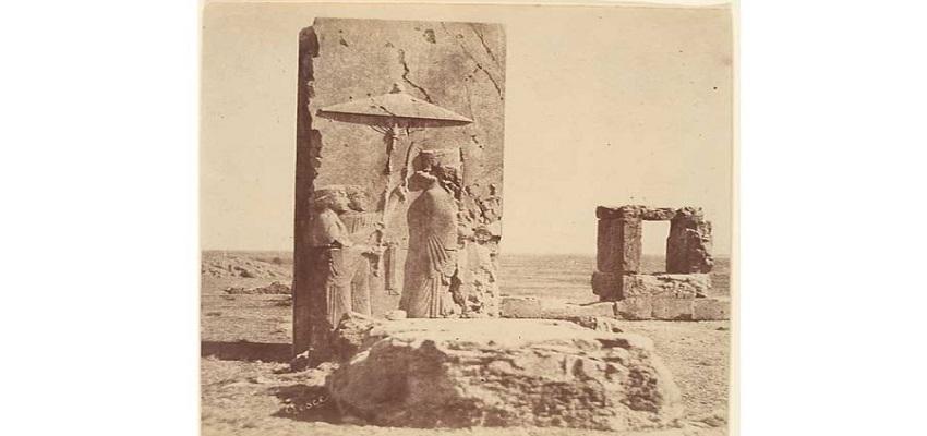 camera lens fell on Persepolis