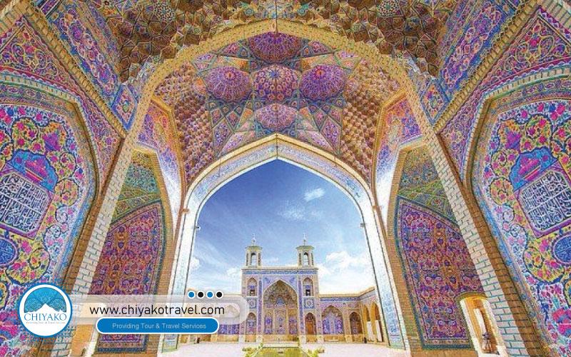 taking photo in Nasir ol-Molk mosque