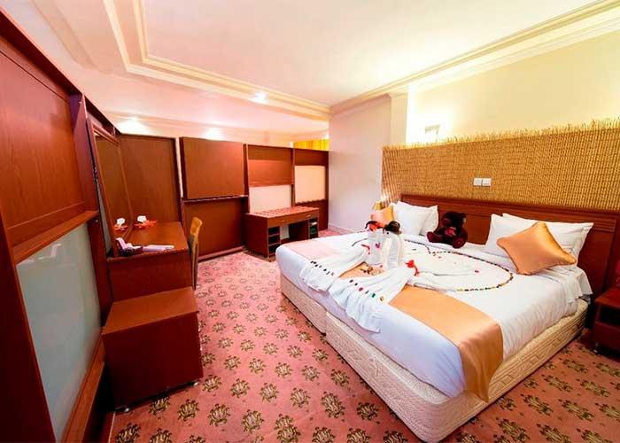 pirozei-hotel-isfehan23